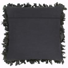 Cojín con flecos de cuero y algodón negro...