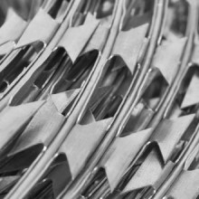 Alambre concertina de acero galvanizado BTO-22...