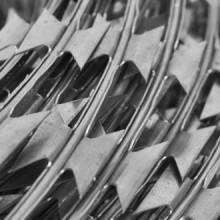 Alambrada de concertina OTAN helicoidal acero...